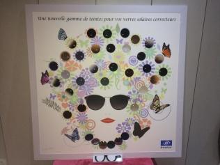 Présentoir VERRES avec papillon en image polarisante